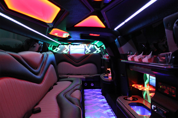 8 Person Chrysler 300 Limo Rental Oklahoma City
