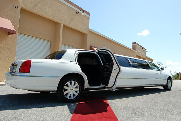 8 Person Lincoln Stretch Limo Oklahoma City